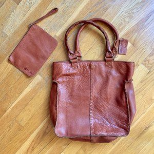 Gorgeous Soft Leather Oversized Tote - Linea Pelle